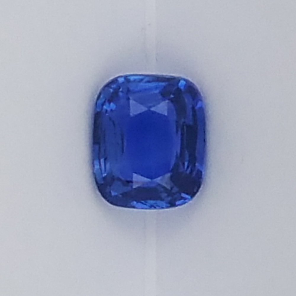 gold in stands sapphire ring classic blue deep out pin a set engagement