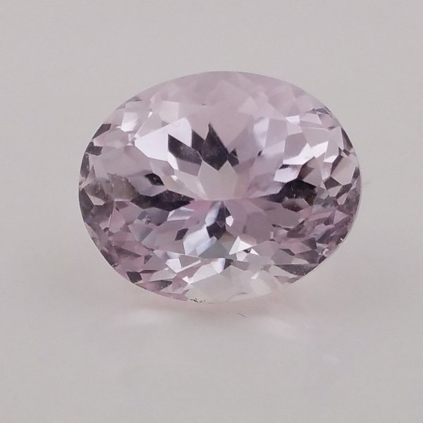 Kunzite - light pink - 8.65 carat